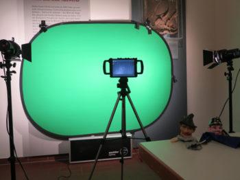 Ein Green Screen wartet auf seinen Einsatz